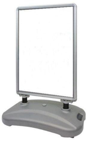 Aluminium stoepbord met watertank