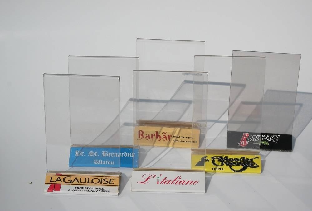 Plexihouder display houten voet bedrukt